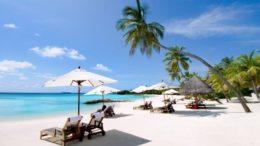 Cine vine cu mine în Maldive?